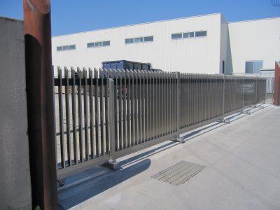 当社設置:大型門扉