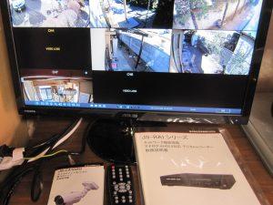 防犯カメラ モニター