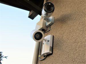 防犯カメラ センサーライト