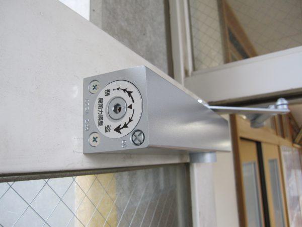 日本ドアーチェック・開閉力調整式ドアクローザー「GRADE1」