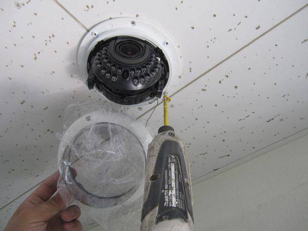 ドーム型監視カメラ:カメラ本体接続・設置