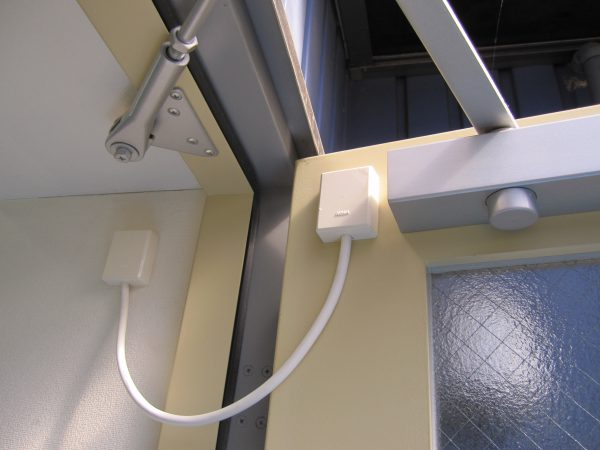 出入管理システム・MIWA「電気錠通電金具」