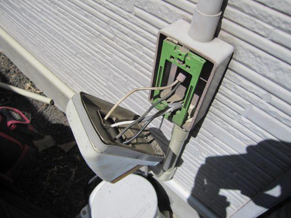 ネットワークカメラ「IPC-16LTE」用共用屋外コンセント電源接続工事