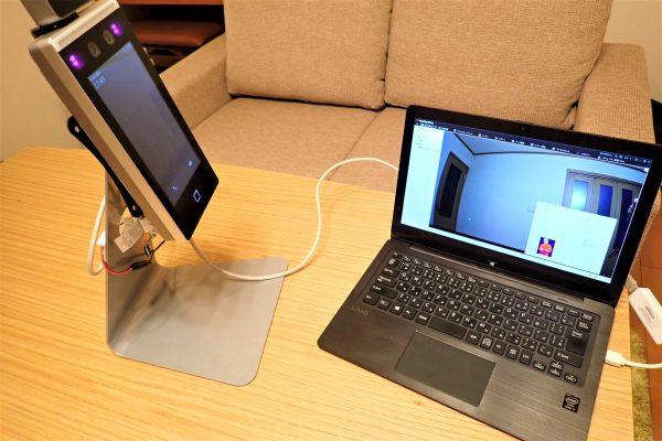 タブレット型サーマルカメラ「DS-K1TA70MI-T」パソコンとのLANケーブル接続状況
