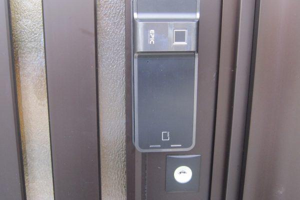 遠隔地レンタルスタジオの後付け電子錠:EPIC電子錠「ES-F500」