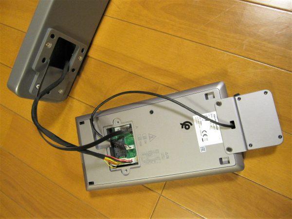 タブレット型サーマルカメラ「DS-K1TA70MI-T」本体裏面端末配線