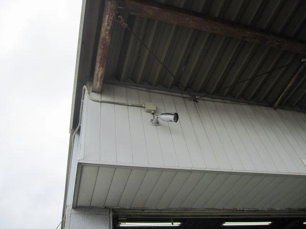 既存の故障した監視カメラ