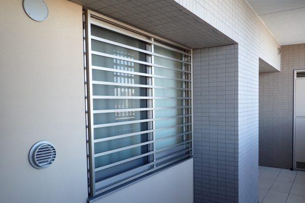 防犯優良マンションの専有部分:防犯建築部品認定の防犯面格子