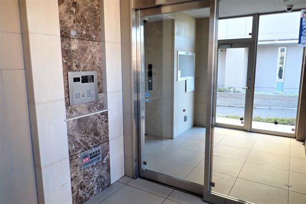 優良防犯マンション:見通しの良い共用玄関オートロック